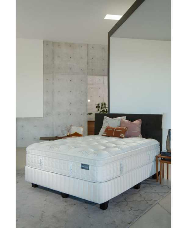 "Austen Collection Marlow 14.5"" Plush Euro Pillow Top Mattress Set- King"