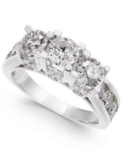 Diamond Ring in 14k White Gold (3 ct. t.w.)
