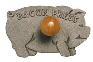 Norpro Cast Iron Pig Shaped Bacon Press with Wood Handle, 8.5in/21.5cm, As Shown