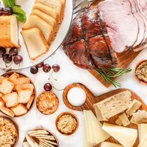 Family Gathering Gourmet Gift Basket