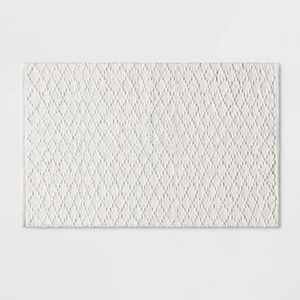 Diamond Stripe Bath Rug White - Threshold™