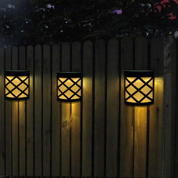 Lv. life 4pcs Waterproof Solar Power LED Light Wall-mounted Lamp for Garden Path Courtyard Fence, Solar Power LED Lamp, Solar Power LED Light