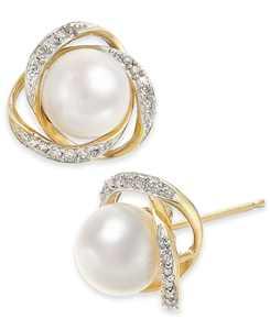 Cultured Freshwater Pearl (7mm) & Diamond (1/8 ct. t.w.) Stud Earrings in 14k Gold