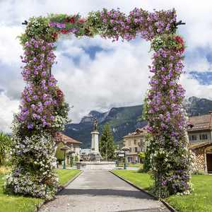 Costway Garden Wedding Rose Arch Pergola Archway Flowers Climbing Plants Trellis Metal