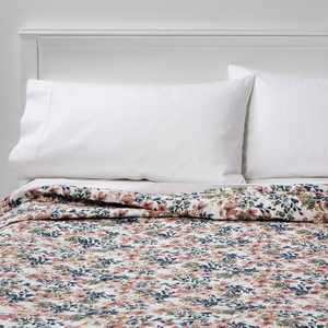 King Floral Printed Family Friendly Quilt Warm - Threshold™