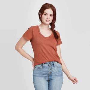 Women's Short Sleeve Scoop Neck T-Shirt - Universal Thread