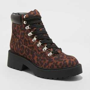 Women's Lizbeth Chunky Combat Hiking Boots - Universal Thread
