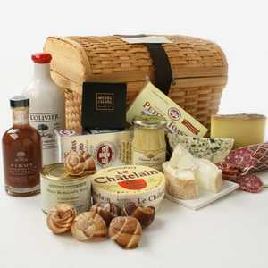 Gift Basket / Chest of Gourmet French Treasures - 10.7 lbs of Delectable Delights