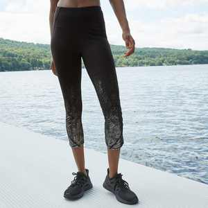 "Women's Printed High-Waisted Sleek Run Capri Leggings 21"" - All in Motion Black"