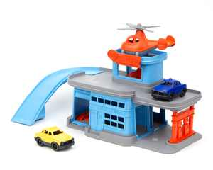Green Toys Parking Garage, Unisex Vehicle Playset for Children Ages 3 and up