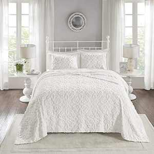 """Madison Park Chenille Tufted 100% Cotton Quilt All Season, Lightweight, Breathable Coverlet Bedspread Bedding Set, Matching Shams, Oversized King/Cal King(120""""x118""""), Sabrina, White"""