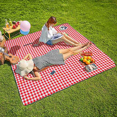 """Three Donkeys Machine Washable Extra Large Picnic & Beach Blanket Handy Mat Plus Thick Dual Layers Sandproof Waterproof Padding Portable for the Family, Friends, Kids, 79""""x79"""" (Red and white)"""
