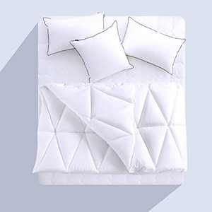 CHOKIT All Season Queen Comforter Soft Quilted Down Alternative Duvet Insert with Corner Loops, Triangle Stitched Reversible Fluffy Hotel Collection, White, 88 x 88 Inches