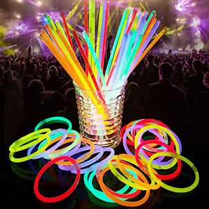 "YOHOTA 100 Glow Sticks Bulk Party Favors -Halloween Glow in The Dark Fun Party Pack with 8""Inch Glow sticks and Connectors- Light Sticks Neon Party Glow Necklaces and Glow Bracelets"