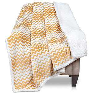 Malinad Sherpa Blanket Throw - 50x60 Yellow Gold Zigzag - Сhevron Pattern - Warm, Soft, Cozy - Perfect for Bed, Sofa, Couch