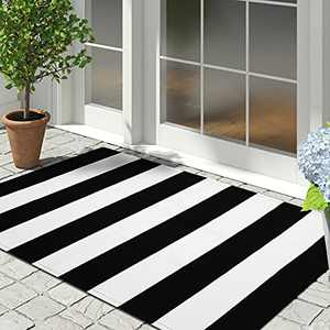 Cotton Black and White Striped Rug Outdoor Doormat 27.5 x 43 Inches Washable Woven Front Porch Decor Outdoor Indoor Welcome Mats for Front Door/Farmhouse/Entryway/Home Entrance Black Rug