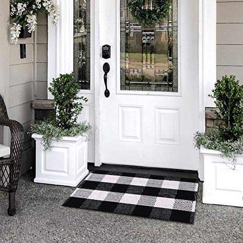 TIDYTIDE Buffalo Plaid Rug Black and White Check Rugs 17.7x27.6inches Hand-Woven Indoor and Outdoor Rugs Washable Door mats (17.7x27.6inch)