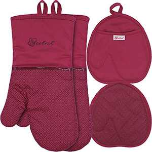 Pot Holders and Oven Mitts Sets 4Pcs, High Heat Resistant Gloves and Potholders, YUTAT Non-Slip Grip Hot Pads with Food Grade Silicone Texture, Perfect for Kitchen Cooking Baking BBQ (Red)