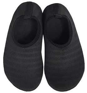 BomKinta Boys Girls Water Shoes Kids Quick Dry Non-Slip Aqua Socks for Beach Swimming Pool Black Size 3.5-4 M US Big Kid